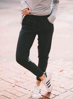 SHOP! These pants are a MUST-HAVE! Introducing our classic, chic Black Jetsetters. A draw string cord helps adjust the fit at your waist while a tapered leg with gold zippers make for an updated sporty look that pairs well tucked in your boots or with your favorite flats. Your closet needs these this fall! Pair with our cozy Go Long Crews or sweatshirts. To see more colors, head to albionfit.com | @albionfit