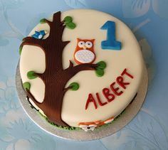 For my latest commission I was asked to make a birthday cake for a one year old boy called Albert. His bedroom is decorated with woodland a...