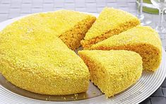 Torta all'acqua cocco e curcuma | Dolce soffice | Ricetta facile Ricotta, My Favorite Food, Favorite Recipes, Delicious Desserts, Yummy Food, Cake & Co, Different Cakes, Creative Food, Easy Cooking