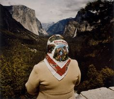 Roger Minick, Woman with Scarf at Inspiration Point, Yosemite National Park (1980), from the series 'Sightseers' (courtesy of the artist and George Eastman Museum; via Hyperallergic)
