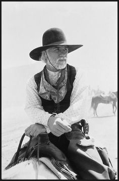Tommy Lee Jones as Captain Woodrow F. Call, ,ex–Texas Ranger in Lonesome Dove series. Tommy Lee Jones, Cowgirls, Gaucho, O Cowboy, Cowboys And Indians, Real Cowboys, Into The West, Tv Westerns, Best Western