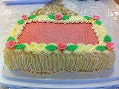 Liian hyvää: Mansikkamoussekakku 20:lle, 40:lle sekä 60 hengelle Food And Drink, Birthday Cake, Desserts, Tailgate Desserts, Birthday Cakes, Deserts, Postres, Dessert, Cake Birthday
