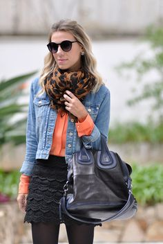 glam4you - nati vozza - look - saia - over the knee - boots - jaqueta jeans - camisa - laranja - preto e cor - lenco - onca