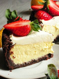 PIERNIKOWA CHATA: Obłędnie pyszny serniczek cytrynowy z truskawkami i czarnym…