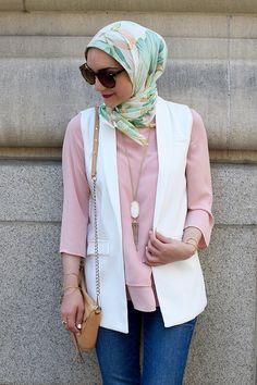 A Day In the Lalz-Sleeveless Open Front Blazer-Pink Blouse-Banana Republic Pink Heels-Hijabi Fashion-Rebecca Minkoff Mini MAC Bag-Kendra Scot Necklace