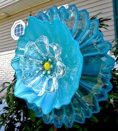 yard art-glass plate flower-upcycled art-garden art-outdoor