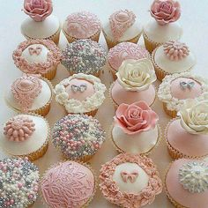 Vintage inspired cupcakes