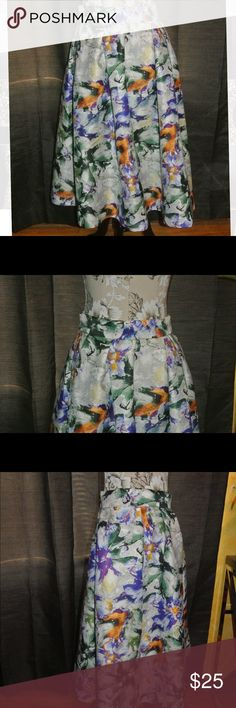 Floral Skirt Hits below the new | Never Worn | NWT H&M Skirts Midi
