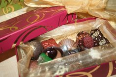 Gift Wrapping, Chocolate, Sweet, Gifts, Gift Wrapping Paper, Candy, Presents, Wrapping Gifts, Chocolates