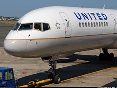 United Airlines, Boeing 757-200. I'm not going to lie, I love this airplane a lot.