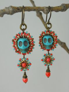Day of the Dead/Halloween/Beadwoven Turquoise Blue Skulls /Coral Orange, Turquoise, Ivory & Antique Brass Calavera Earrings - - - Serena Beaded Earrings, Earrings Handmade, Beaded Jewelry, Unique Jewelry, Handmade Jewelry, Jewelry Design, Halloween Schmuck, Halloween Jewelry, Holiday Jewelry
