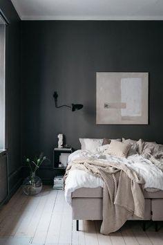Scandinavian bedroom, dark grey walls, textiles in soft beige hues, wall art and wooden floors. Stylish Bedroom, Gray Bedroom, Home Design, Home Interior Design, Wall Design, Interior Plants, Boys Room Decor, Bedroom Decor, Shades Of Grey Paint