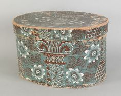 Wallpaper hat box, mid 19th c., with floral dec :