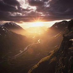 Romsdalen,Norway. #loveletters #love #life #nature #landscape #travel #Norway #naturephotography #naturelovers #photooftheday #photography #travelphotography #traveller #travelgram #instagood #instadaily #instaphoto #instanature #instatravel #instacool #a