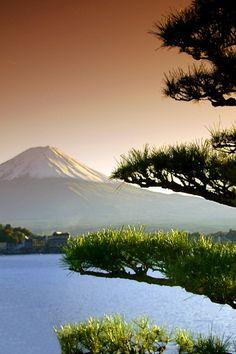 mistymorningme:  Mt. Fuji by bsmethers