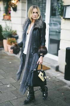 Nina Suess: Leonrodstr, München Paris Outfits, Fashion Outfits, Street Style Looks, Street Style Women, Nina Suess, Best Casual Outfits, Influencer, Dressed To The Nines, Sartorialist