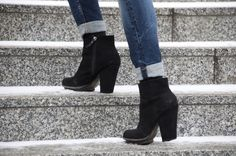 Black wedges and jeans