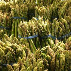 #asparagus #pictureoftheday #veggies #vegetables #fredmeyer #20161104