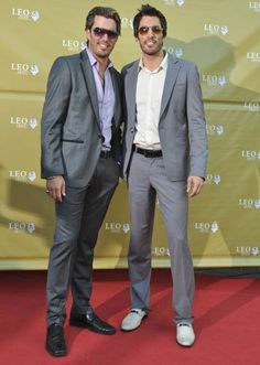 Jonathan Silver Scott and Drew Scott at the 2010 Leo Film & Television Awards.