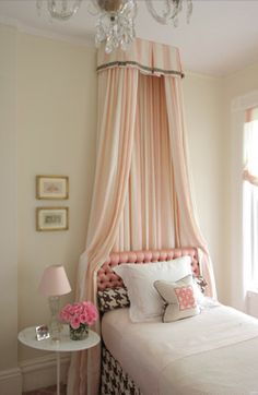 Soft pink crown and drape with tufted headboard. Looks great with the houndstooth!