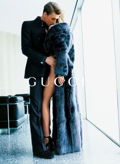 Georgina Grenville & Ludovico Benazzo for Gucci FW 1996 by Mario Testino. Fur coat, leggy model, and business suit. Mario Testino, Haute Couture Style, Georgina Grenville, Gucci Campaign, Campaign Fashion, Tom Ford Gucci, Looks Style, My Style, Mode Editorials