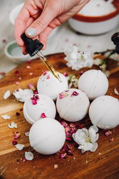 5 Amazing Benefits of Acupuncture Treatments for Women – CBD Infused Bath Bombs Should Be Your Next DIY Project - Camille Styles Bath Bomb Recipes, Soap Recipes, Savon Soap, Soaps, Natural Bath Bombs, Diy Lush Bath Bombs, Diy Bathroom Decor, Bath Salts, Bath Fizzies