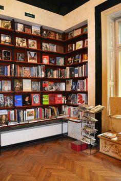 Carturesti Verona bookstore, Bucharest