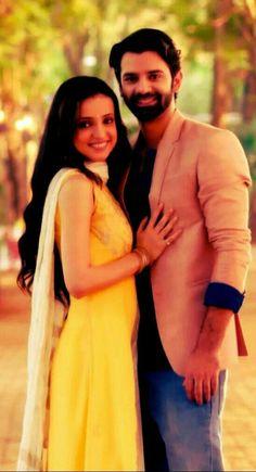 Are barun sobti and sanaya irani dating in real life