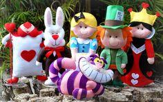 Alice no País das Maravilhas! - Karoles Alicia Wonderland, Alice In Wonderland Birthday, Felt Puppets, Sewing Stuffed Animals, Felt Christmas Ornaments, Felt Patterns, Girl Decor, Felt Toys, Soft Dolls