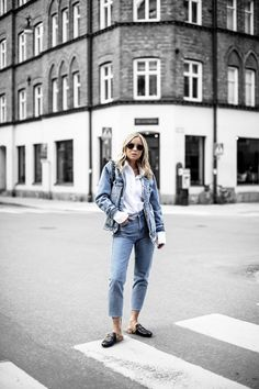 Look Of The Day (Victoria Törnegren) Fashion 2017, Womens Fashion, Hobbies And Interests, Jeans Style, Latest Trends, Mom Jeans, Hipster, Victoria, Street Style