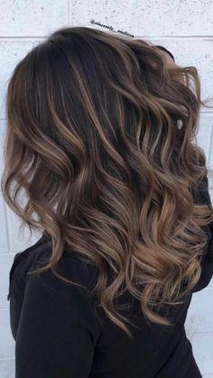 Hair Inspo, Hair Inspiration, Medium Hair Styles, Curly Hair Styles, Brown Hair With Highlights, Dark Brown Blonde Balayage, Caramel Balayage Highlights, Brunette Highlights, Hair Affair