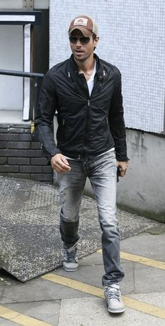 Enrique Iglesias Photos  - Enrique Iglesias Leaves the ITV Studios - Zimbio