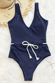 Cupshe Sing In The Clouds Solid One-piece Swimsuit #style#swimsuit#womensfashion #beautiful#swimwear#woman#beauty