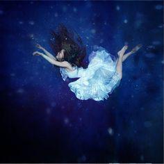 Artist: Anka Zhuravleva/ distorted gravity