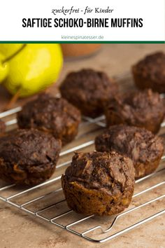 Juicy chocolate pear muffins for children Chocolate Chip Muffins, Advantages Of Watermelon, Kinds Of Salad, Eating Plans, Vegan Recipes Easy, Fresh Vegetables, Nutritious Meals, Food Items, Food Hacks