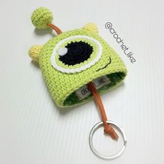 Mike wazowski key holder The post . Mike wazowski key holder appeared first on Crochet ideas. Diy Crafts Crochet, Crochet Gifts, Crochet Toys, Crochet Projects, Crochet Headbands, Crochet Key Cover, Crochet Case, Love Crochet, Crochet Keychain