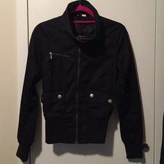 H&M light jacket Mock neck. Stretch on cuffs and bottom of jacket. Pockets on each side. Some make up stain on collar but that can be removed. H&M Jackets & Coats