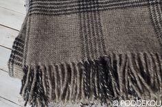 Ľanovo-vlnená deka sivá / Sivá károvaná deka z vlny a ľanu. Wool Blanket, Blankets, Luxury, Fleece Blanket Edging, Blanket, Cover, Comforters