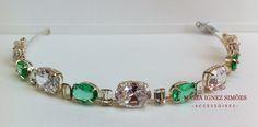 Tiara com zircônia turmalina verde e cristal. Tiara noiva - Casamento - Curitiba - Noiva - Tiara colorida -  Curitiba