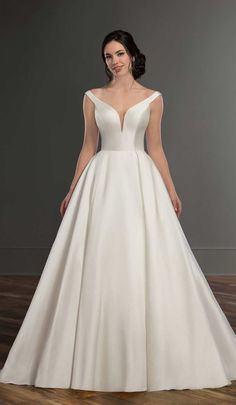 Wedding dress inspiration from Martina Liana Sparkly Bridal Simple Wedding Gowns, Gorgeous Wedding Dress, Mod Wedding, Best Wedding Dresses, Trendy Wedding, Bridal Dresses, Bridesmaid Dresses, Ball Dresses, Ball Gowns