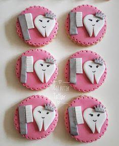 En Güzel Butik Tatlar - Neşeli Süs Evim | Ücretsiz Parti Setleri Cupcake, Cookies, Decoration, Birthday, Crack Crackers, Decor, Birthdays, Cupcakes, Biscuits