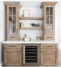 We have in fact constructed great deals of superb ideas for developing a coffeehouse in your house. These genius java terminals will certainly assist you continue to be organized in addition to on budget plan approach. Kitchen Cabinet Interior, New Kitchen Cabinets, Built In Cabinets, Kitchen Decor, Kitchen Modern, Kitchen Ideas, Kitchen Cabinets That Look Like Furniture, Kitchen Designs, Country Kitchen