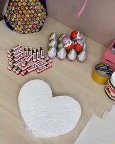Valentine Day Crafts, Valentine Ideas, Chocolate Hearts, Gift Hampers, Best Friend Gifts, Diy Fashion, Fashion Tips, Diy Art, Art For Kids
