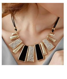 Cheap fashion statement necklace, Buy Quality statement necklace directly from China fashion necklace Suppliers: Necklaces & Pendants Collier Femme Fashion Statement Necklace for Women 2015 Boho Colar Vintage Fine Jewelry Collar Mujer Bijoux Colar Fashion, Fashion Necklace, Fashion Jewelry, Women Jewelry, Fashion Beads, Crystal Fashion, Charm Jewelry, Pendant Jewelry, Fine Jewelry