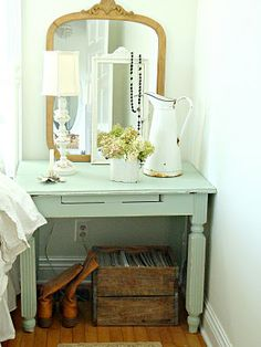 I have a desk that I could paint that color. Add mirror and lamp.