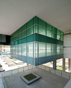 D38 Zona Franca Office Building- Barcelona - Arata Isozaki