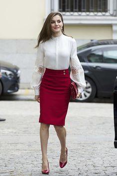 Queen Letizia of Spain Photos Photos - Queen Letizia of Spain attends the 10th Anniversary of 'Microfinanzas BBVA' at the BBVA Bank Foundation on May 29, 2017 in Madrid, Spain. - Queen Letizia O Spain Attends 10th Anniversary Of 'Microfinanzas BBVA' Foundation
