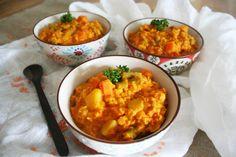 En Inde, le dal est un plat traditionnel à base de légumineuses.Voilà 4 ans que j'ai découvert ce plat incontournable et si facile à réaliser. Ma puce en est carrément fan. Simple, équilibré et gourmand, ce plat est une source de protéine hyper intéressante.  Testez, vous ne pourrez plus vous en passer ! Lire la suite → Dhal, Coco, Vegetarian Recipes, Curry, Food Porn, Veggies, Vegan, Cooking, Ethnic Recipes