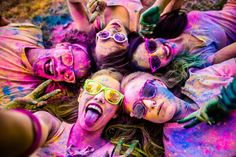 Do colors influence our mood, decisions, or health? Color psychology seeks to determine how colors affect human behavior and physiology. Sorority Bid Day, Sorority Sugar, Sorority Recruitment, Bid Day Themes, Color Test, Colour, Perfect Selfie, Photo Calendar, School Games