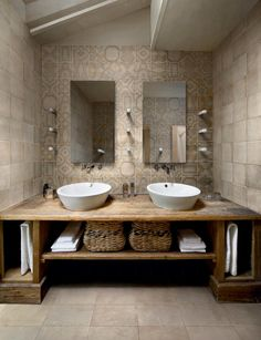 Great Photos Rustic Bathroom cabinets Ideas Some sort of rustic bathroom is often characterised through exciting quirks plus the application of Rustic Bathroom Designs, Rustic Bathroom Vanities, Beige Bathroom, Rustic Bathrooms, Bathroom Ideas, Bathroom Renovations, Half Bathrooms, Restroom Ideas, Vintage Bathrooms